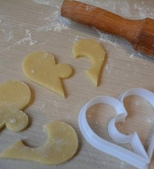 "Cookie cutter ""Heart of 2 parts"""